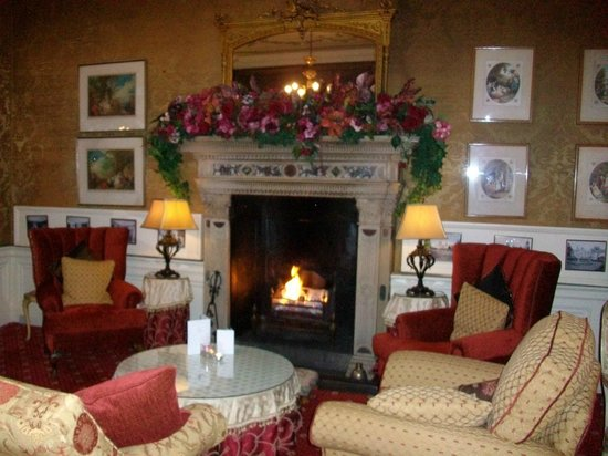 Roman Camp Hotel: Beautiful sitting room