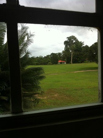 Baganara Island Resort: The view from the bathroom window