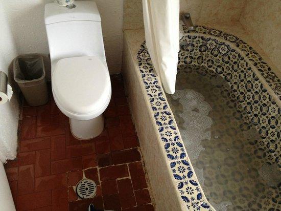 Punta Serena: Baño sucio