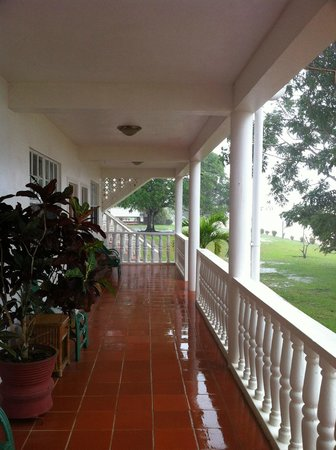 Baganara Island Resort: Lodging Patio