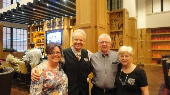 Hotel Indigo Nashville: Agnes,John Hughes ,Sandy ,Marilyn  .
