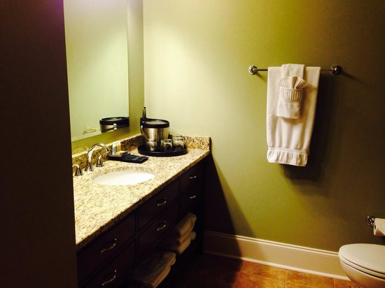 Bleckley Inn: Bathroom