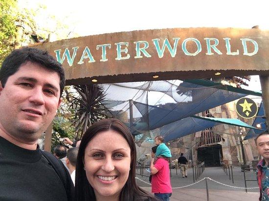 Universal Studios Hollywood : waterworld - excelente atracao