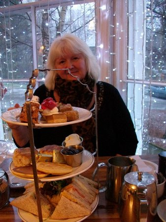The Royal Hotel : Delicious afternoon tea. 5*