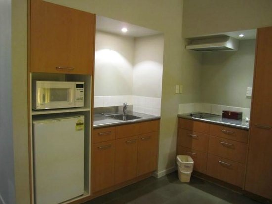 The Garden Hotel: TWO BEDROOM KITCHEN AREA
