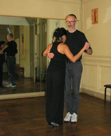 ‪Tango Classes with Lucia & Gerry‬