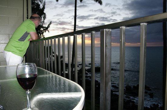 Noelani Condominium Resort : A drink off the master lanai!