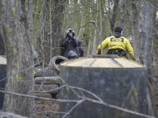 Delta Force Paintball: Camera-man being lined up for painting.