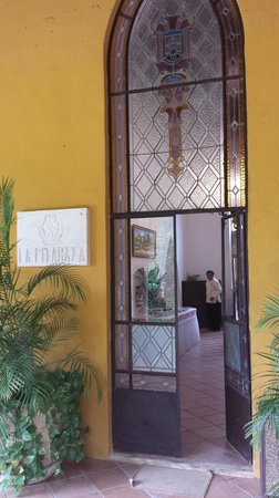 Hacienda Misne : Entrance to the breakfast buffet