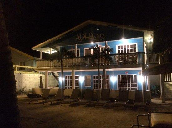 Aqua Vista Beachfront Suites: More hotel @ night.