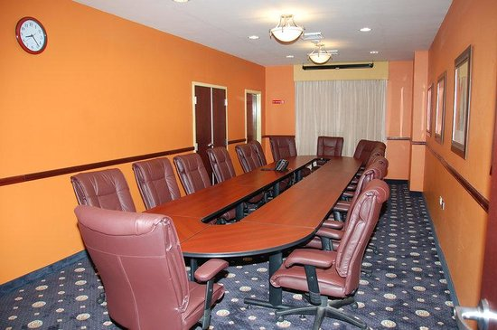 Holiday Inn Express Trincity Trinidad Airport: Meeting Room