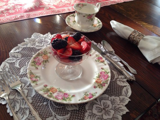 The Lion and The Rose Bed and Breakfast: Fresh fruit