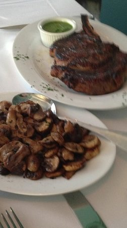 Vintage Bar & Grill: Rib Eye, & Potatoes