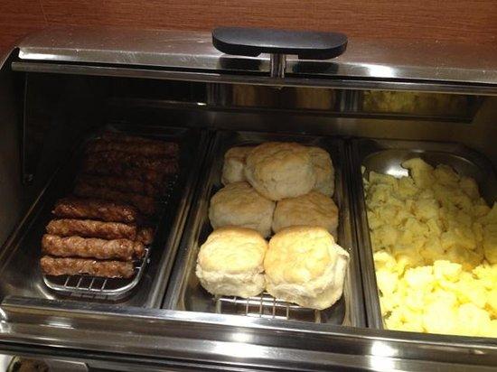 Comfort Inn Biltmore West : breakfast