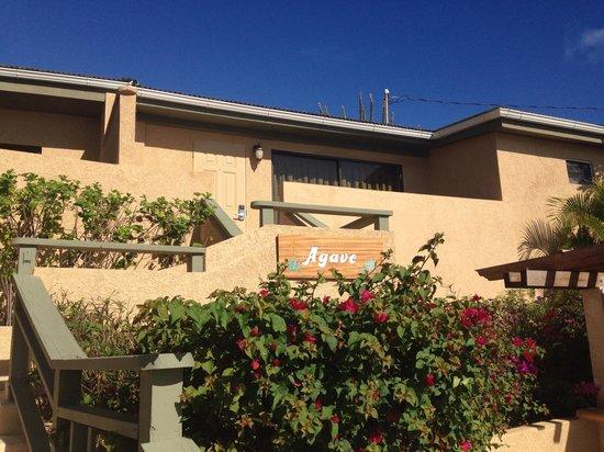 Lindbergh Bay Hotel and Villas: My villa at Carib beach!!!!