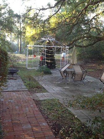 Woodridge Bed and Breakfast of Louisiana : Gazebo for weddings after Christmas tree goes away