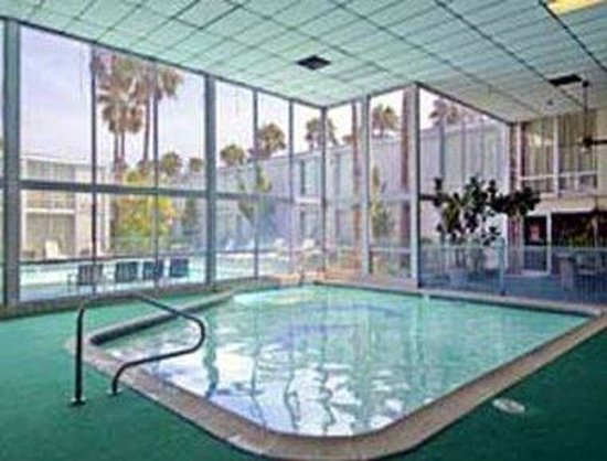 Americas Best Value Inn - Corpus Christi North/Airport : Indoor Pool