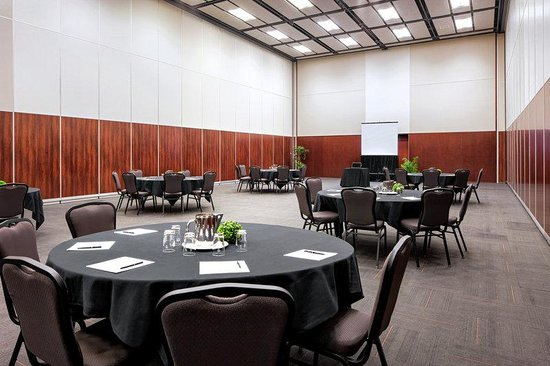 Four Points by Sheraton Levis Convention Centre: Meeting Room