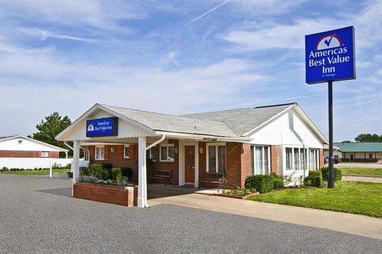 Americas Best Value Inn - Arkansas City: Exterior