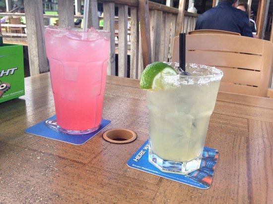 Old Key Lime House : Margarita and strawberry lemonade