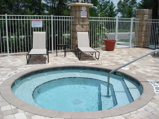 Holiday Inn Daytona Beach LPGA Blvd: Outdoor Whirlpool