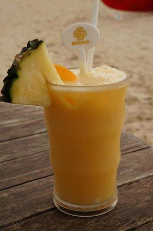 Berjaya Langkawi Resort - Malaysia: Cocktail on the beach