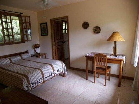 Villa Decary: 2 Room Bungalow w Full Kitchen
