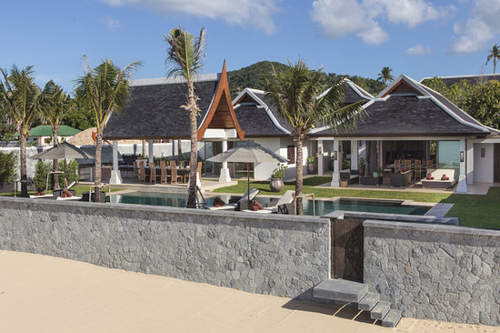 Miskawaan Luxury Beachfront Villas