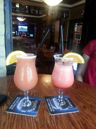 Old South Village Pub: Cocktails!!
