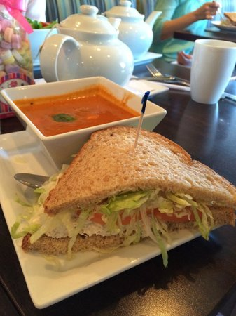 Picnikins Patio Cafe: Tomato Basil Soup With Chicken Salad Sandwich