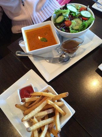 Picnikins Patio Cafe: Tomato Basil Soup With Salad