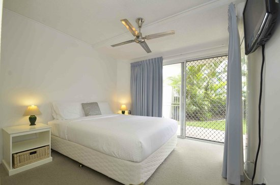 The Beach Houses Holiday Apartments: bedroom