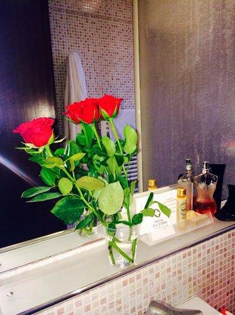 Hotel Ca' d'Oro: Beautiful bathroom in room 302