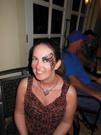Sandals Royal Bahamian Spa Resort & Offshore Island : Face painting at Junkanoo