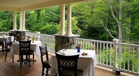 The Inn at Thorn Hill & Spa : Porch