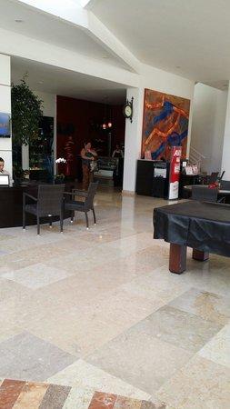 Dreams Villamagna Nuevo Vallarta : Lobby avec un Coffee shop et pâtisseries