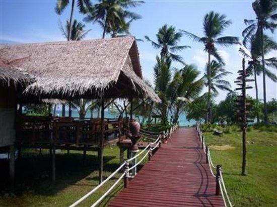 Tenta Nakara: Exterior View