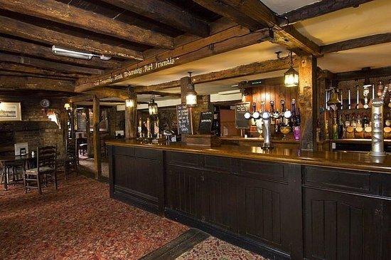 Premier Inn Tonbridge Hotel: Bar