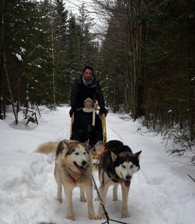 Aventure Plein Air Inukshuk: A short stop during sledding