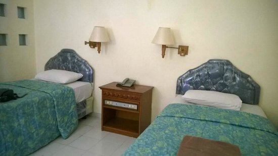 Bakung Sari Resort and Spa: Twin Bed