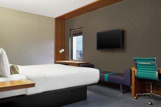 Aloft London Excel: Aloft King Room