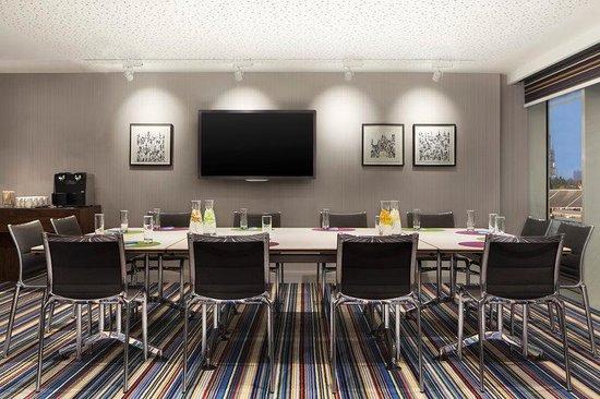 Aloft London Excel: Tactic Room