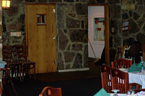 Mountain Lake Lodge: exact door the Jonny ( Patrick Swayze) entered at beginning of movie