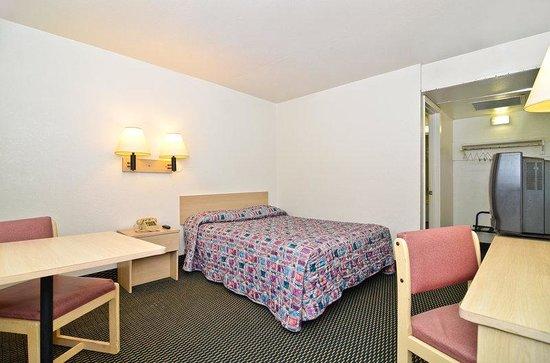Budget Inn: One Queen Bed