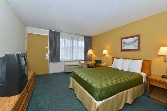 Americas Best Value Inn: 1 King Bed Deluxe 2