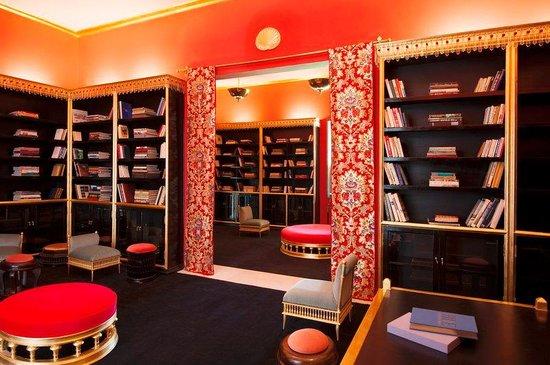 Sahara Palace Marrakech: Katakali Book Shop