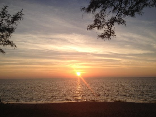 SALA Phuket Resort & Spa: Sonnenuntergang