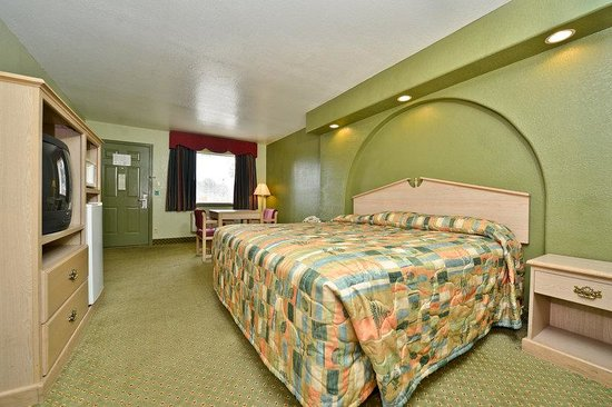 Americas Best Value Inn - San Antonio Downtown I-10 East: One King Bed