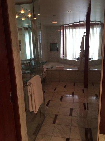 Park Hyatt Melbourne: Spa King Bathroom