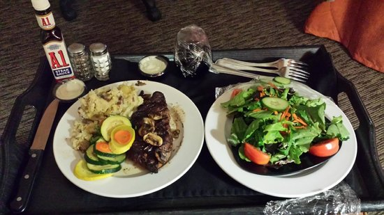 Holiday Inn Airport South: Room Service meal